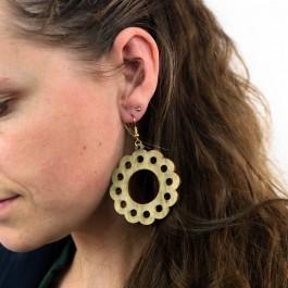 Hoentjen creatie - Houten oorbel, bloem simpel kakigroen groot
