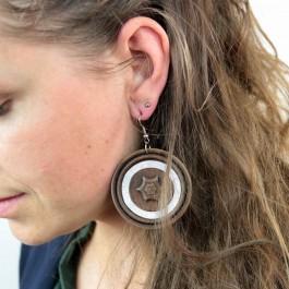 Hoentjen creatie - Houten oorbel, notenhout glitter groot