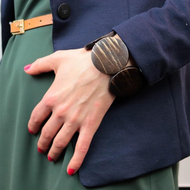 Hoentjen creatie - houten armband, rond