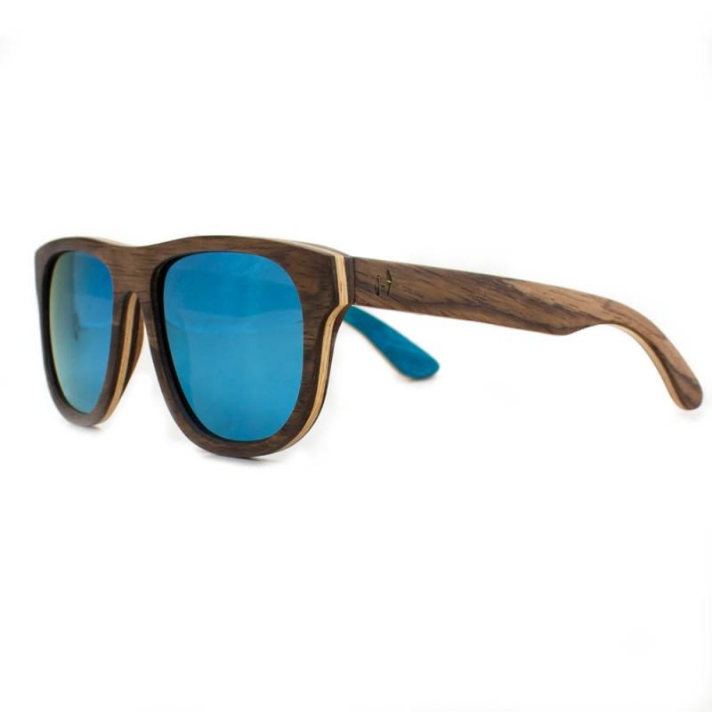 Hoentjen, houten zonnebril Ifaty beach