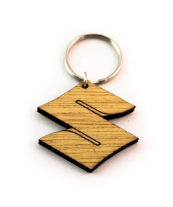 Hoentjen Creatie, Houten sleutelhanger - Suzuki