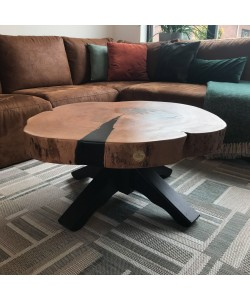 Beuken tafel met zwarte epoxy en houten onderstel