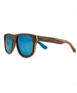 Hoentjen, houten zonnebril- Ifaty Beach