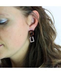 Houten oorbellen, ruitjes mahonie
