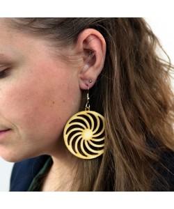 Houten oorbel, spiraal neutraal groot