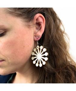 Houten oorbellen, bolletjes lang neutraal groot