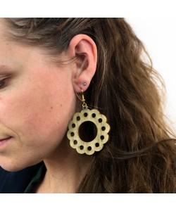 Houten oorbellen, bloem simpel kakigroen groot