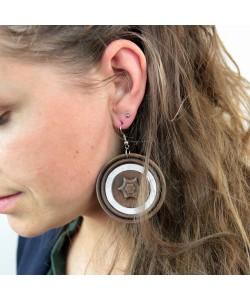 Houten oorbellen, notenhout glitter groot