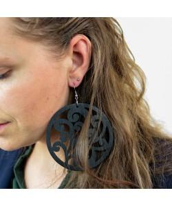 Houten oorbellen, sierlijk zwart mega